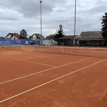 Tennisplätze öffnen!